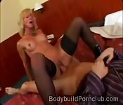 Gorgeous blonde in stockings gets split