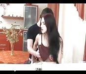 Sexo anal en la cocina