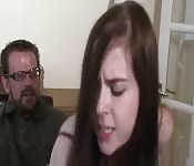 Una coppia scopa con rabbia