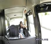 Sexy masseuse ass fingered in taxi