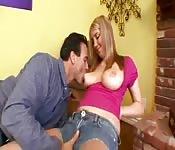 Des seins parfaits pour s'amuser