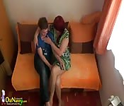 Tatoed teen lesbi helping mature toying