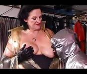 Uno schiavo amatoriale e la sua mistress