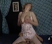 Deutsche in Dessous beim Vintagesex