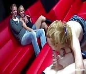 Scopata di gruppo a uno show porno tedesco