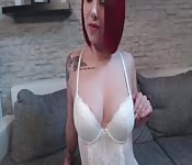 Amateur Girl NinaDevil im weißen Body