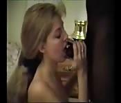 Giovane moglie con grosso pene di colore