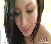 Una ragazza giapponese sexy si fa scopare duramente