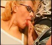 Sexe extrême entre mère et fils