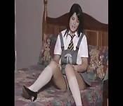 Studentessa mora gioca con se stessa