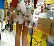 Voyeurisme au supermarché