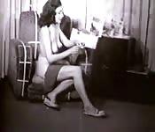 Una bella donna nuda in un video vintage