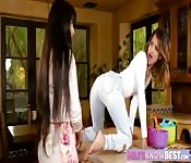 Milf teaches teen some lesbian tricks