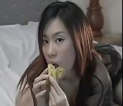 Fica asiatica amatoriale amante della frutta