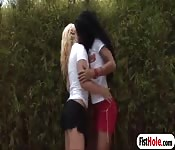 Blonde lezzie tongues big booty ebony gf