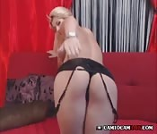 Beautiful girl plays pussy free webcam sex
