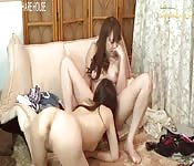 Dos lesbianas asiáticas