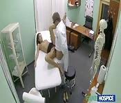 Caldo dottore, paziente umida