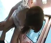 Ragazza asiatica rapita in pubblico.