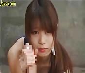 Una giovane fica pelosa trova pane per lei