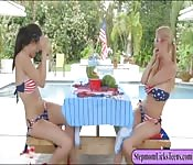 Alexis Fawx and Alexis Deen pleasuring