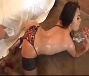 Jeune salope asiatique affamée