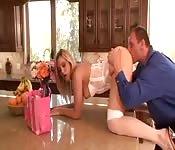 Scopata in cucina con Alexis Texas
