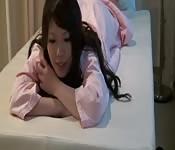 Una ragazza asiatica ha finalmente un lieto fine.
