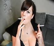 Una gnoccona tedesca che fuma