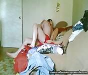 Una coppia amatoriale davanti alla telecamera