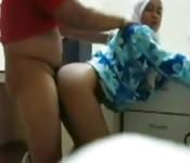 Adolescente arabe avec un petit cul