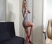 Milf blonde bien salope en cam