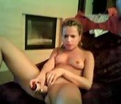 Ado suce et se touche à la webcam