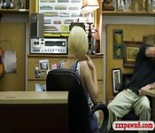 Hot babe pawns her BFs speaker and boned