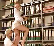Ruhig und in der Bibliothek