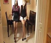 Les secrétaires savent se servir de leurs pieds