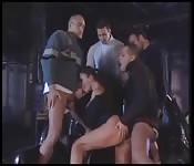 Gangbang con uomini perversi