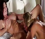 Appassionata scopata lesbo