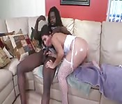 Une brésilienne avec un cul parfait veut ta bite