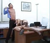 Sexo duro en una oficina