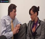 L'irresistibile Lisa Ann scopa con il boss