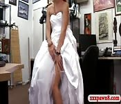 Woman selling wedding dress gets smashed