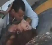 Salope arabe filmée à se lâcher dehors