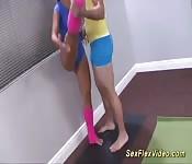 L'acrobata flessibile Kelsi Monroe