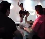 Baiser avec une danseuse