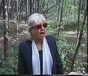 Vecchi italiani scopano nel bosco