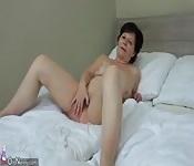 Old lesbian mature masturbate her pussy