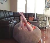 Gorgeous ass shaken for steamy webcam solo