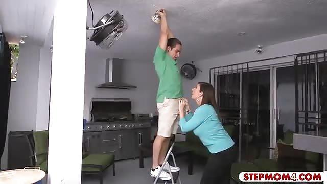 Xander drills his girlfriend and her hot stepmom farrah dahl 5