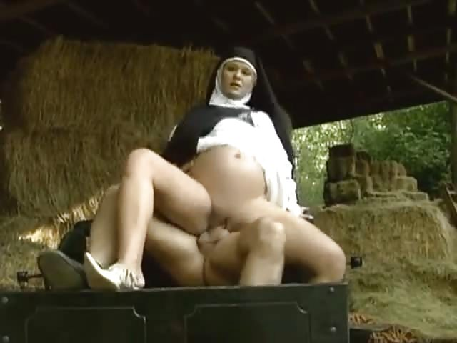 vollbusige nonne pic